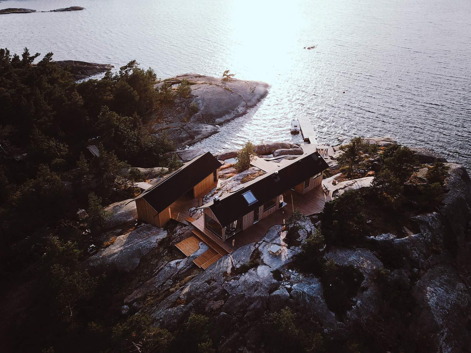 amazing cabin houses on a beautiful island