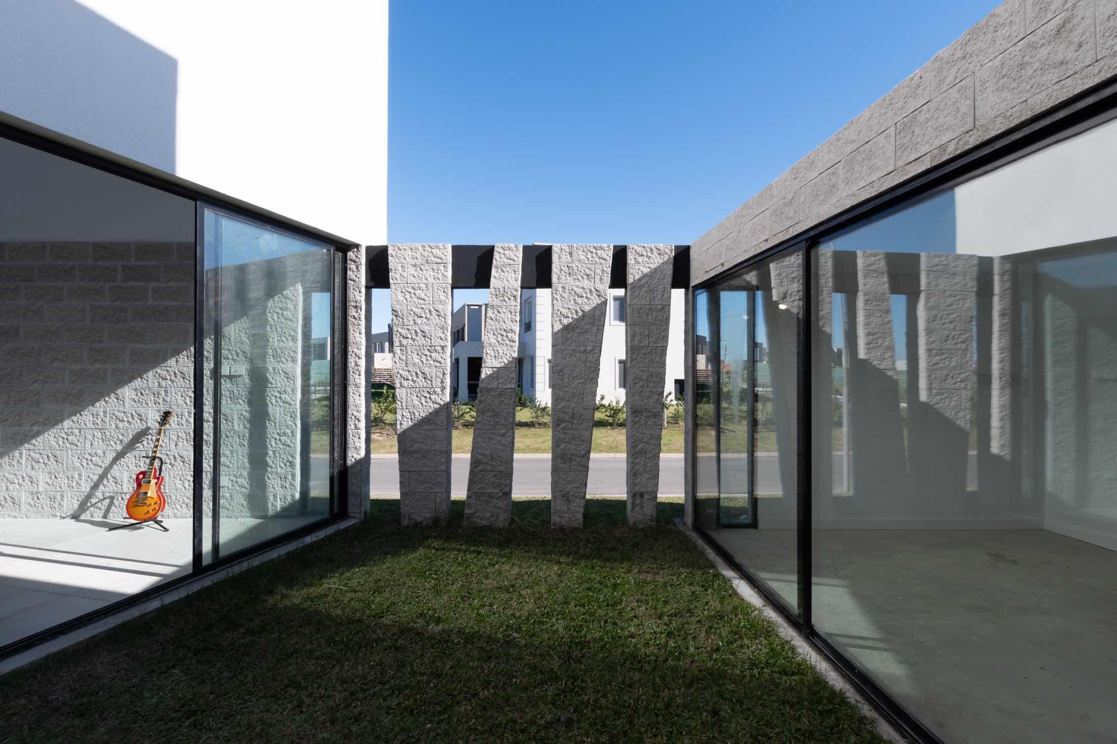 Castaños House designed by Barrionuevo Villanueva Arquitectos in Buenos Aires argentina