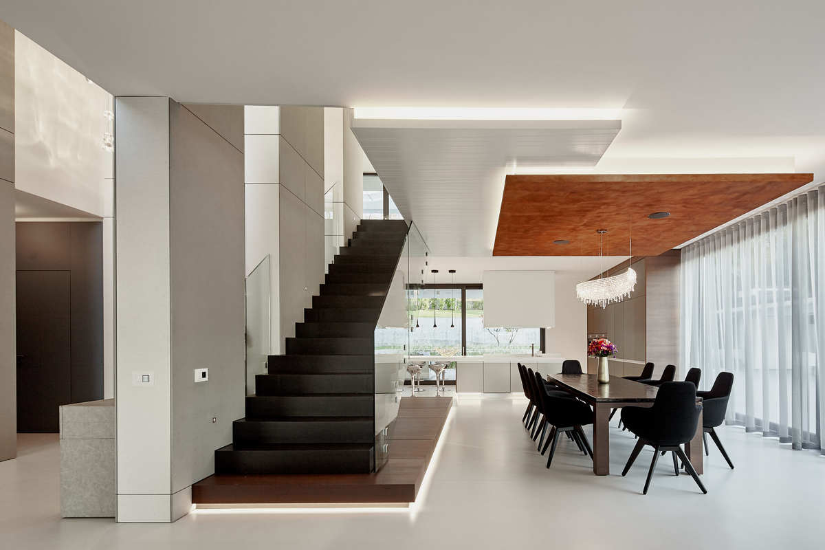 the staircase and the dinning area