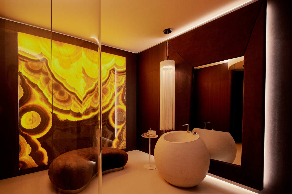 the dark bathroom design