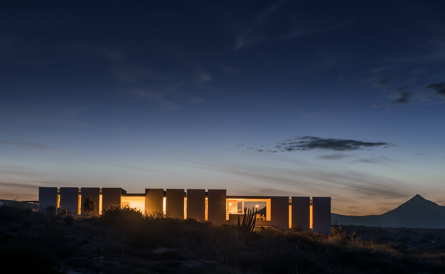 The night view of the house in desert