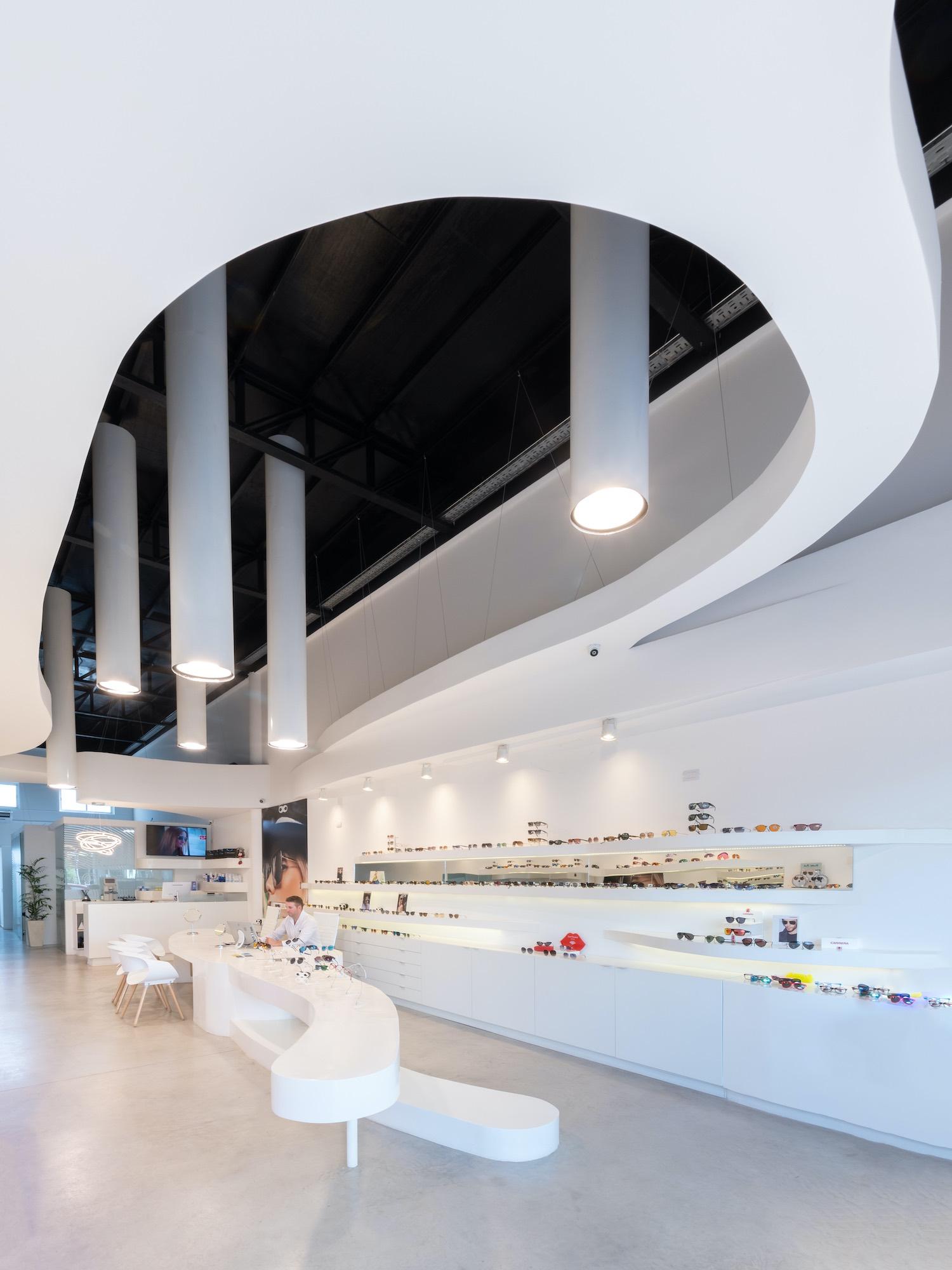 Lazzarini Optics in Villa Carlos Paz, Argentina designed by Castellino Arquitectos