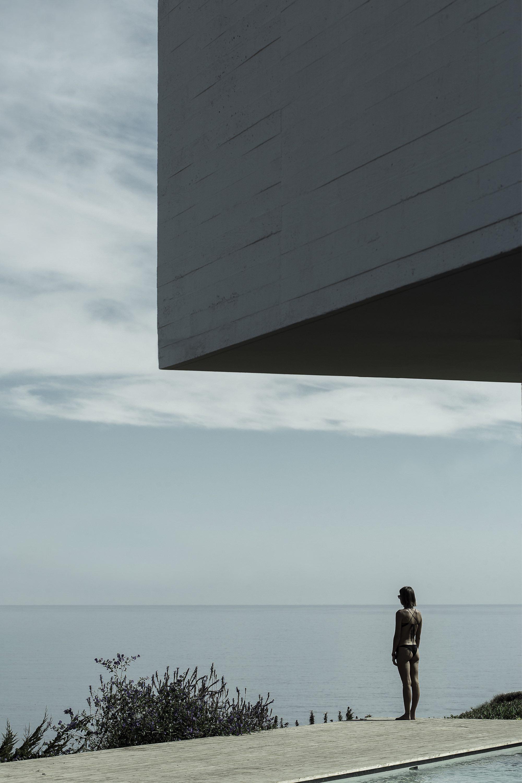 Concrete home toward Pacific Ocean