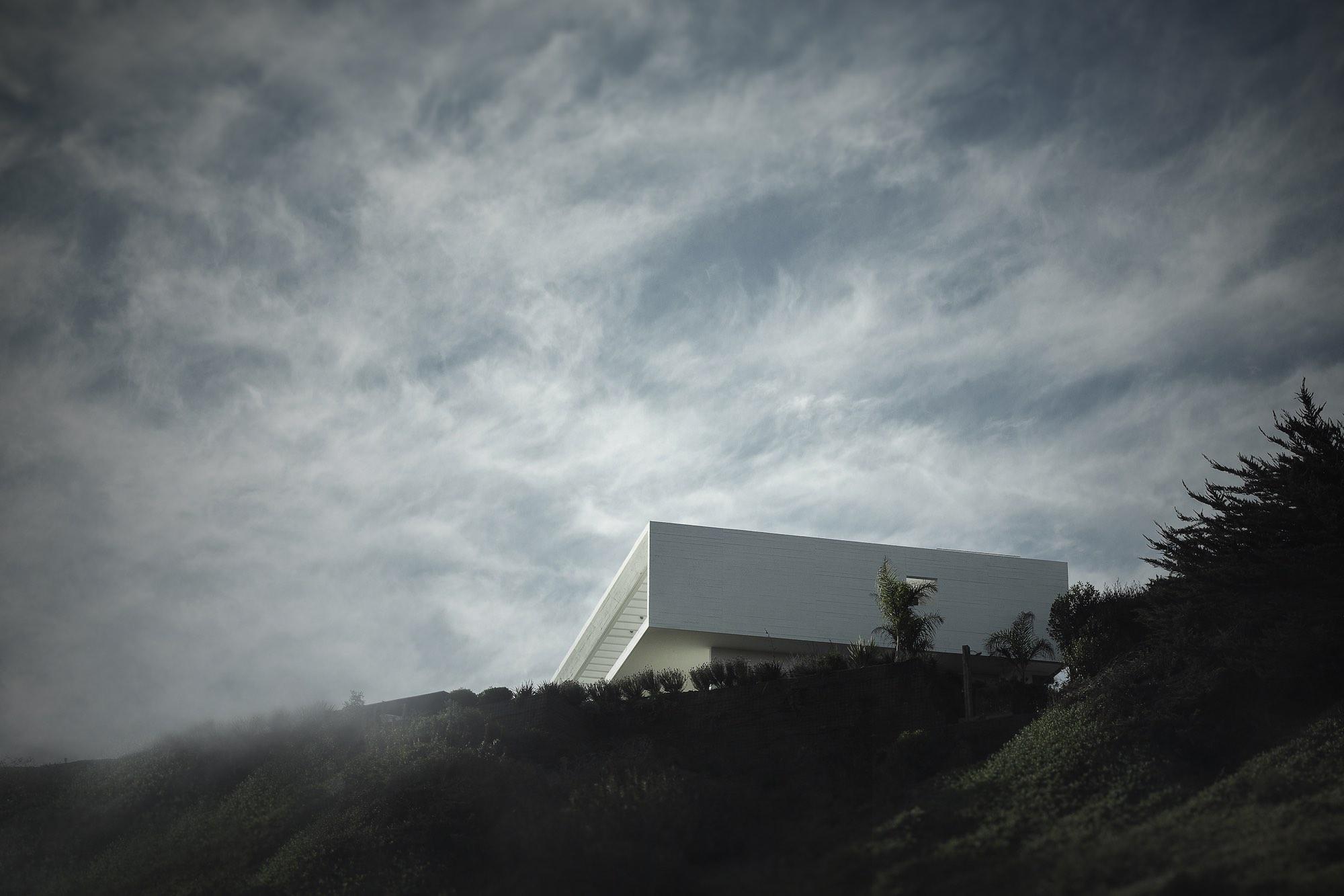 AV House designed by Cristián Romero Valente