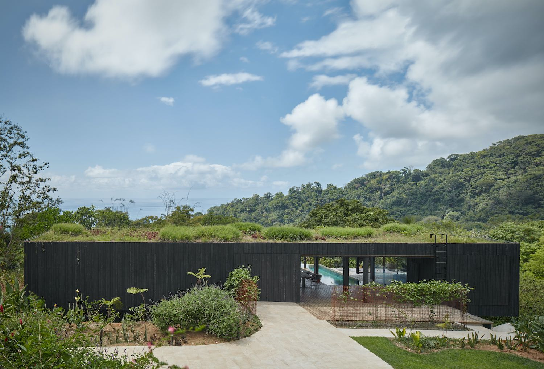 villa with roof garden
