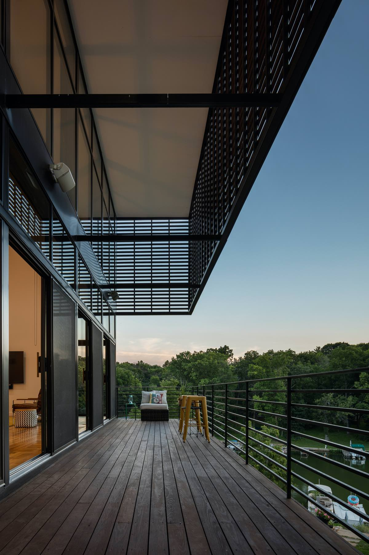 balcony with spectacular view of the jungle