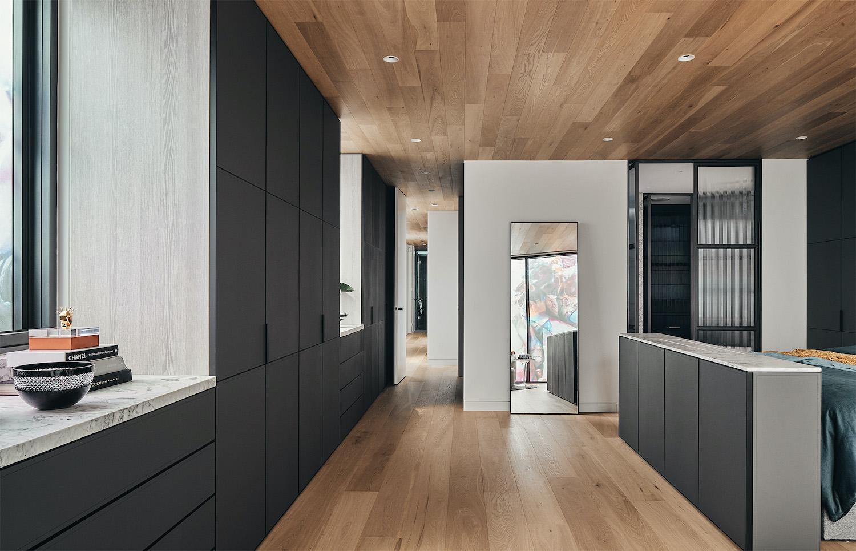 modern kictehn design with big cabinets