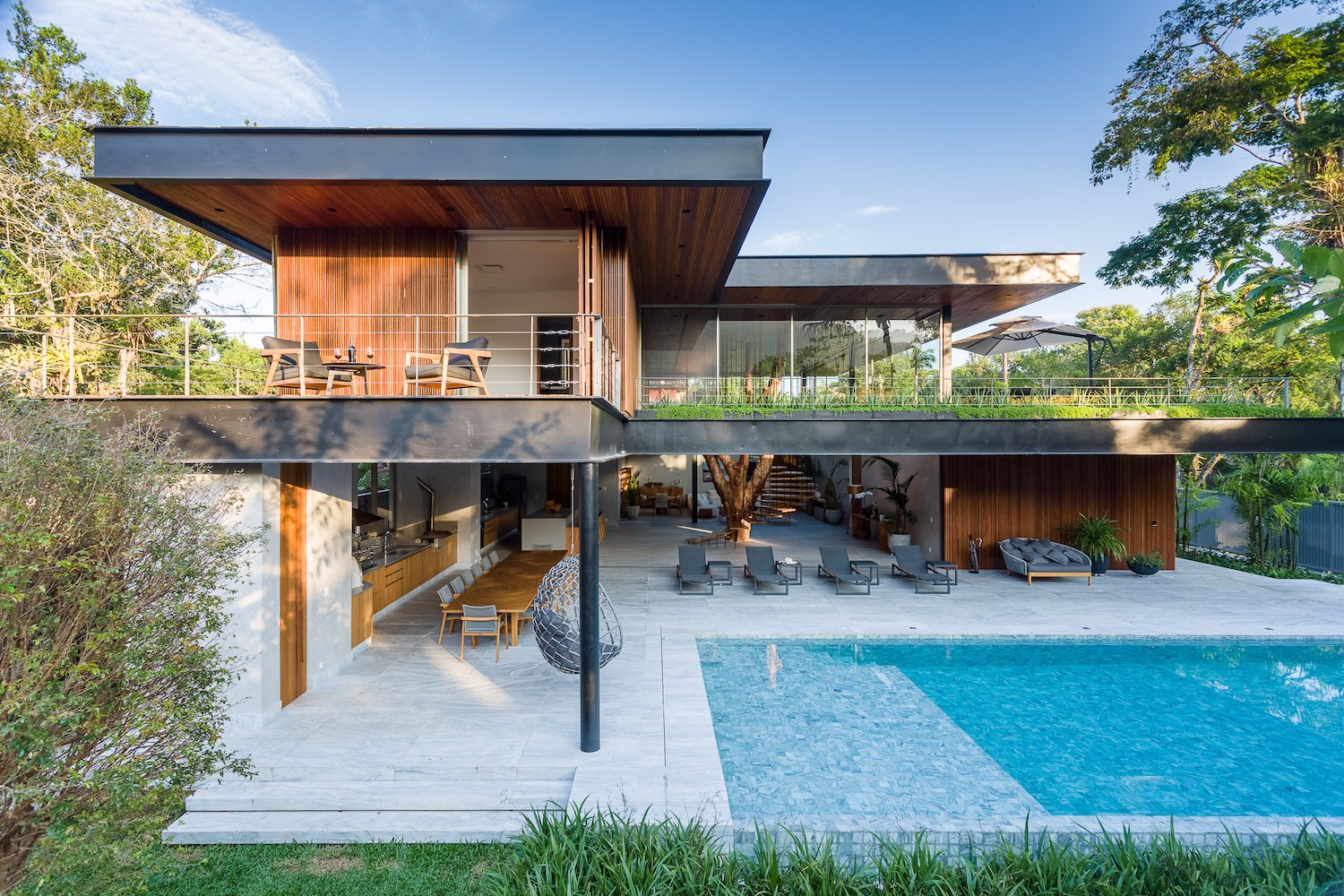 house facade made of steel concrete and wood