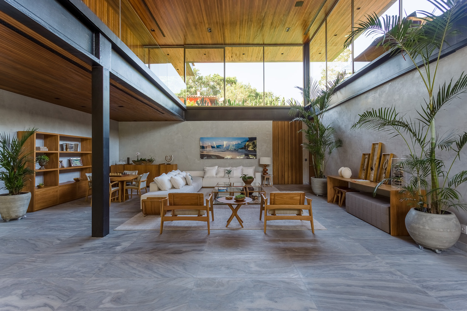 house with steel structure columns and beams