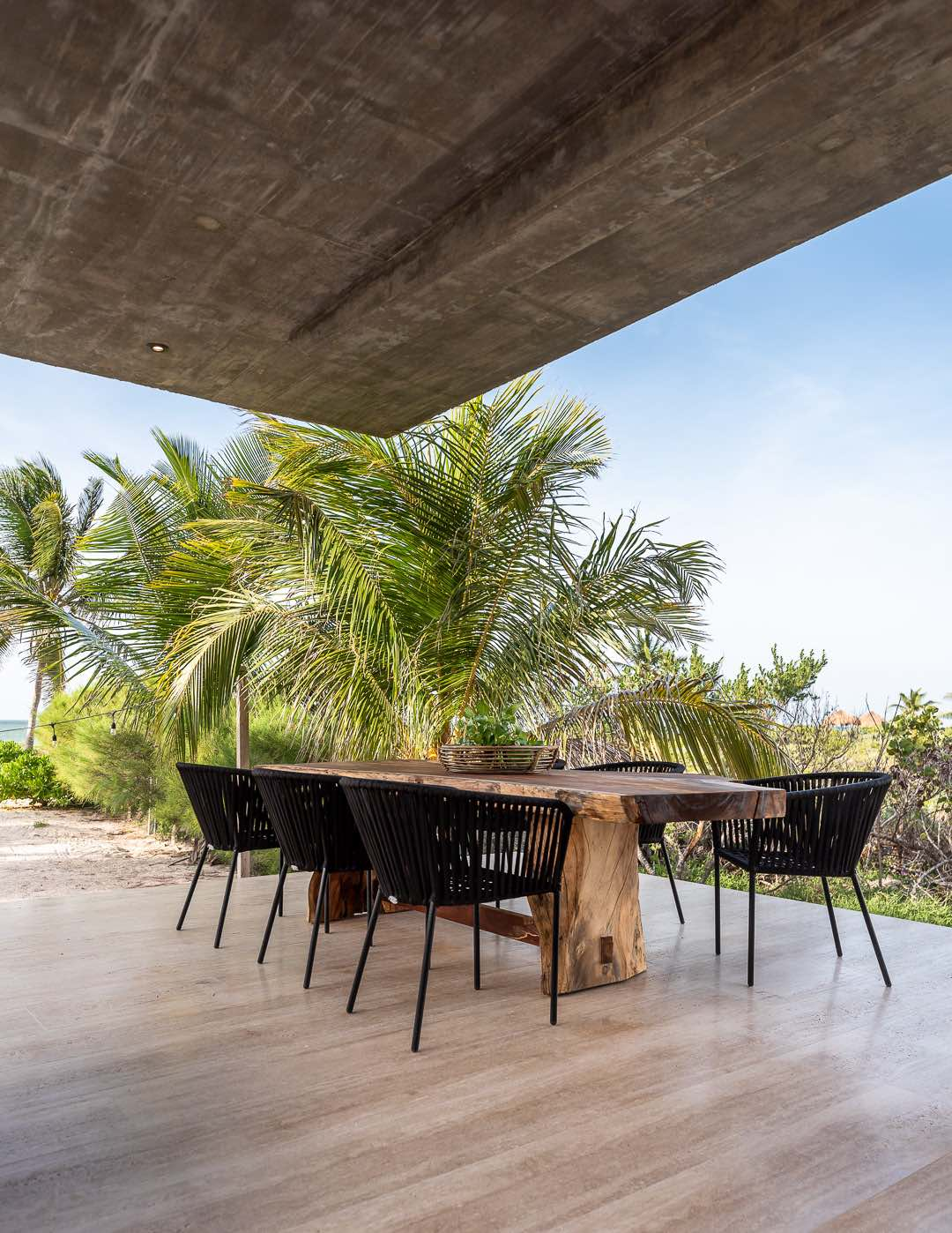 Casa Gamela designed by Laboratorio de Arquitectura in Yucatan Mexico