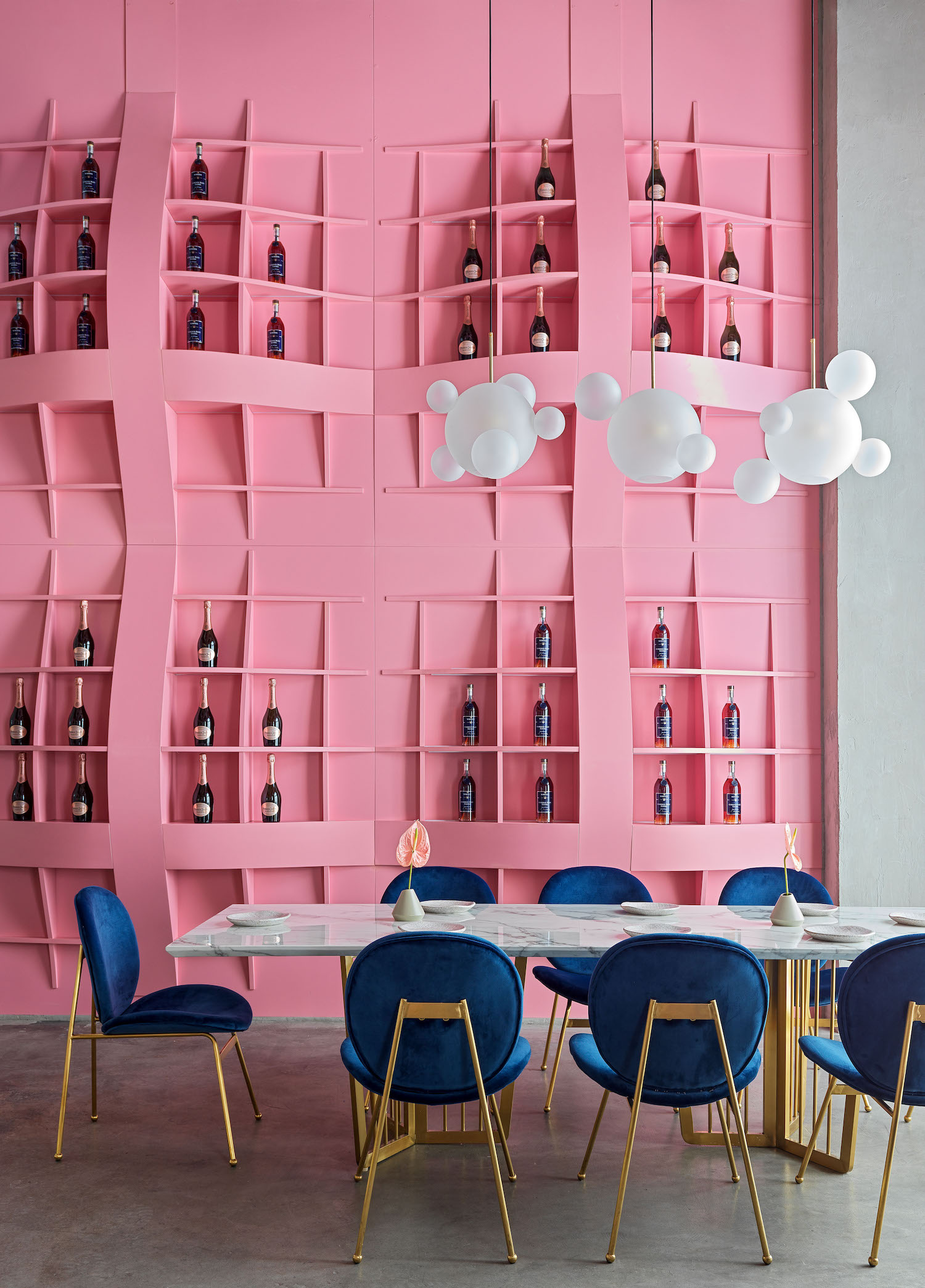 oink colored shelves for saving alcoholic drinks
