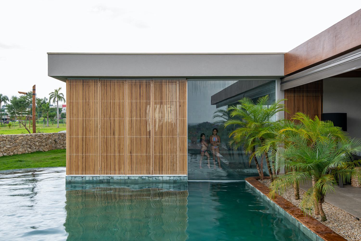 LLP House in São Carlos, Brazil designed by lb+mr