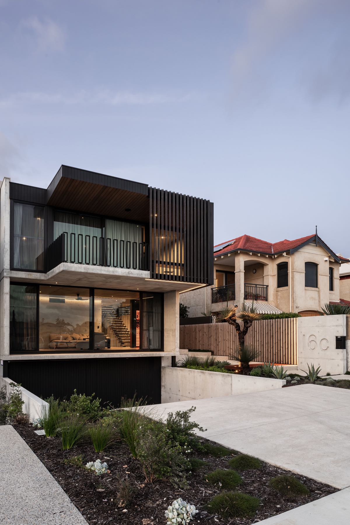 Vodka_Palace_Marcus_Browne_architect_AmazingArchitecture_Australia_004.jpg
