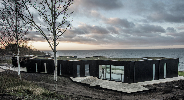 Summer house in Veddinge Bakker, Asnæs by Martin Kallesø Arkitekter