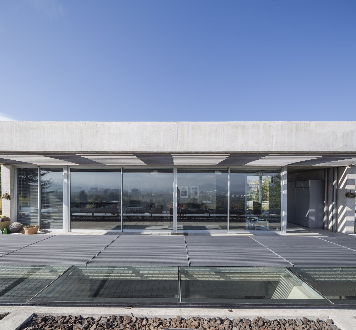 Mirador house designed by +arquitectos in Santiago Chile