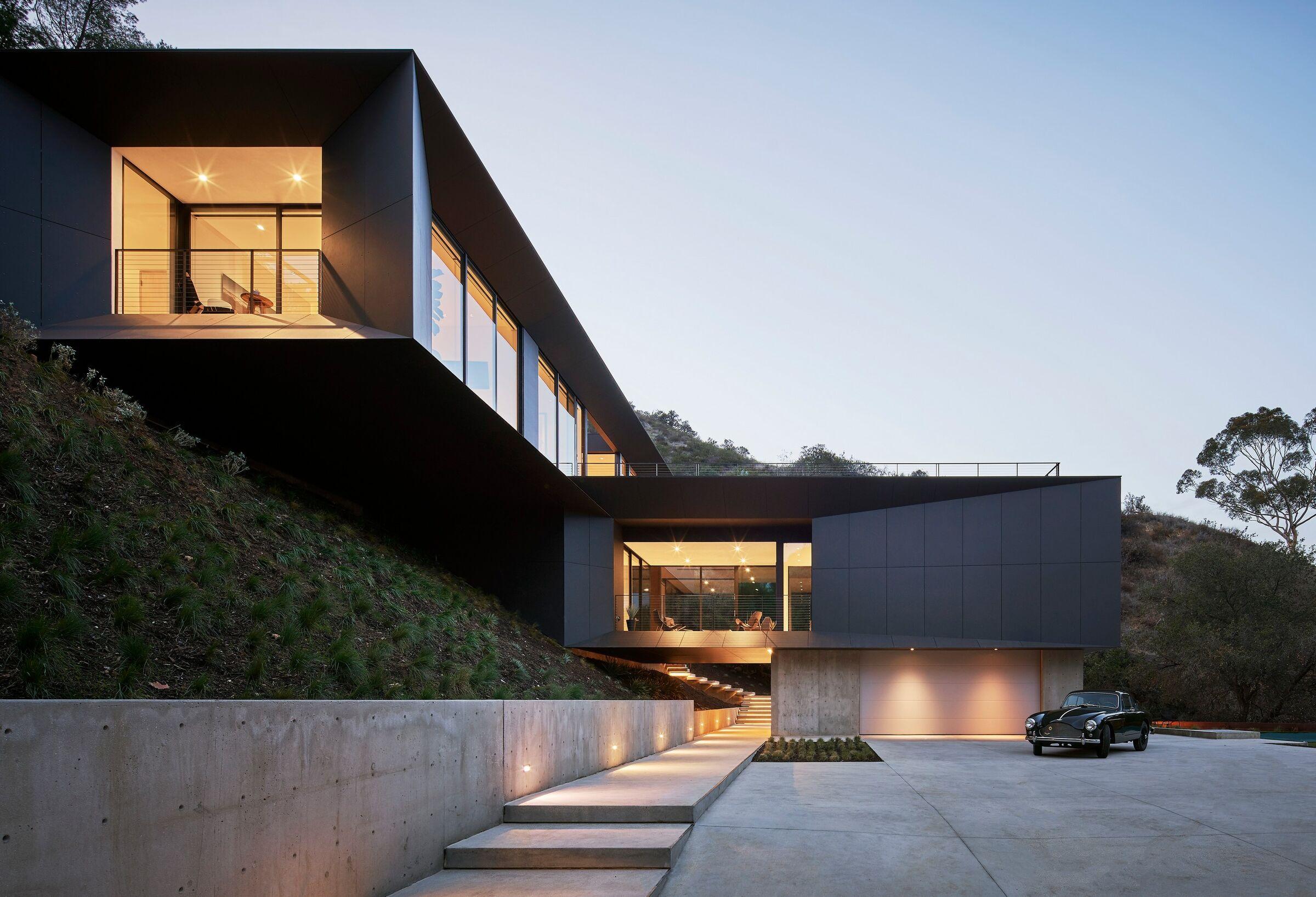 LR2 House in Pasadena, California by Montalba Architects
