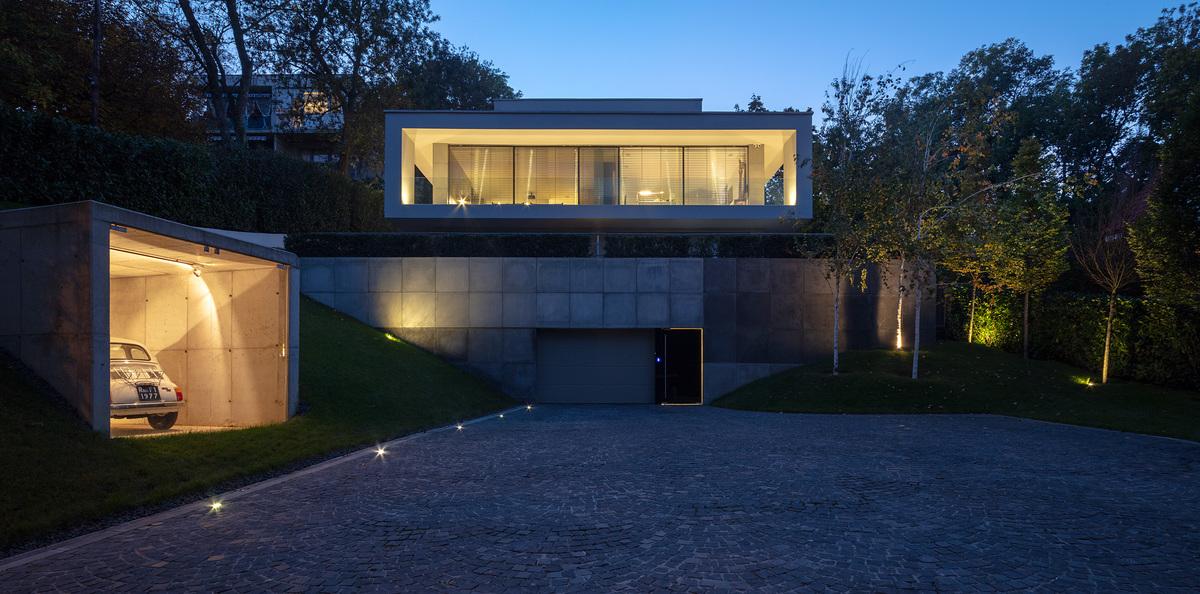 Villa_Cinquecento_NAPUR_Architect_Budapest_Hungary_001.jpg