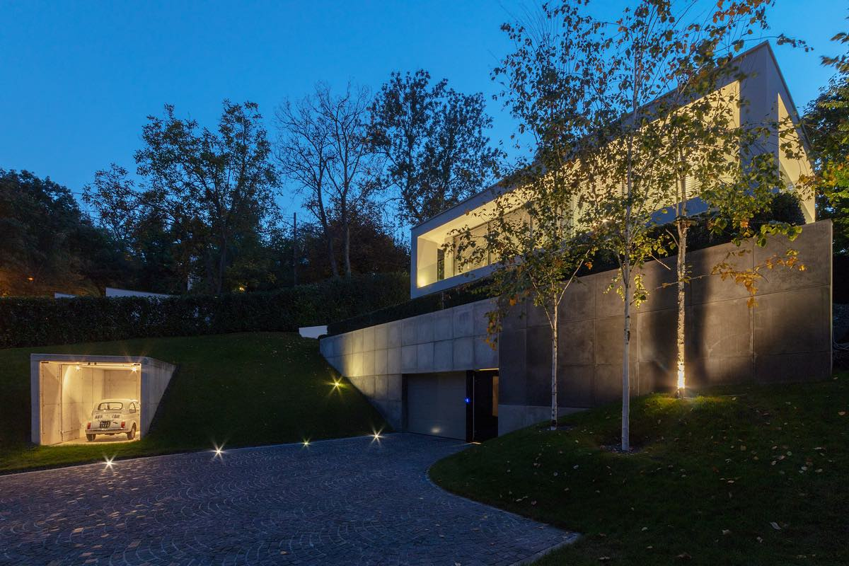 Villa_Cinquecento_NAPUR_Architect_Budapest_Hungary_002.jpg