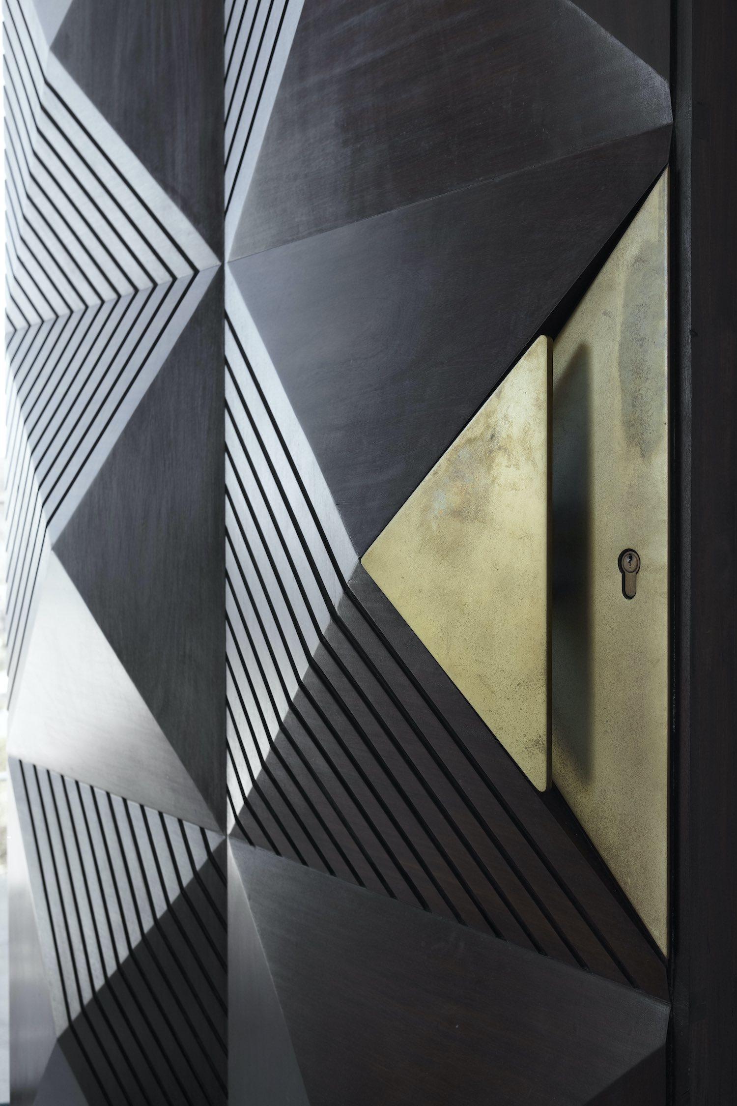 metalic door