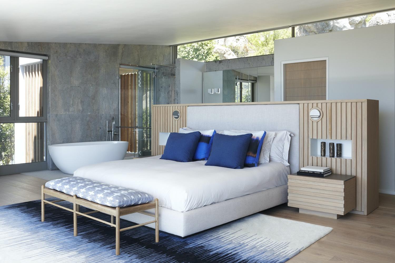 bedroom design with bathtub inside the room