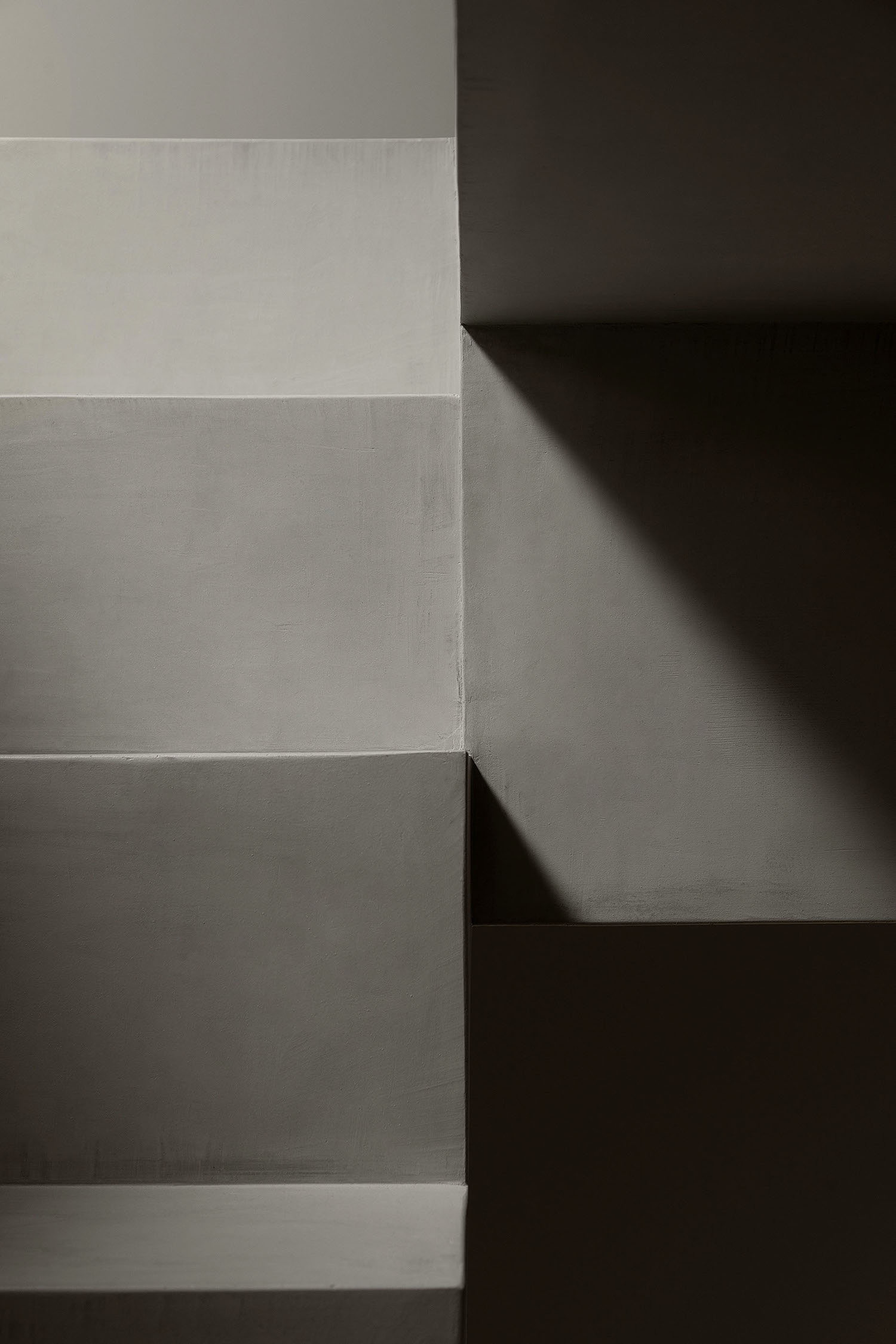 grey colored wall
