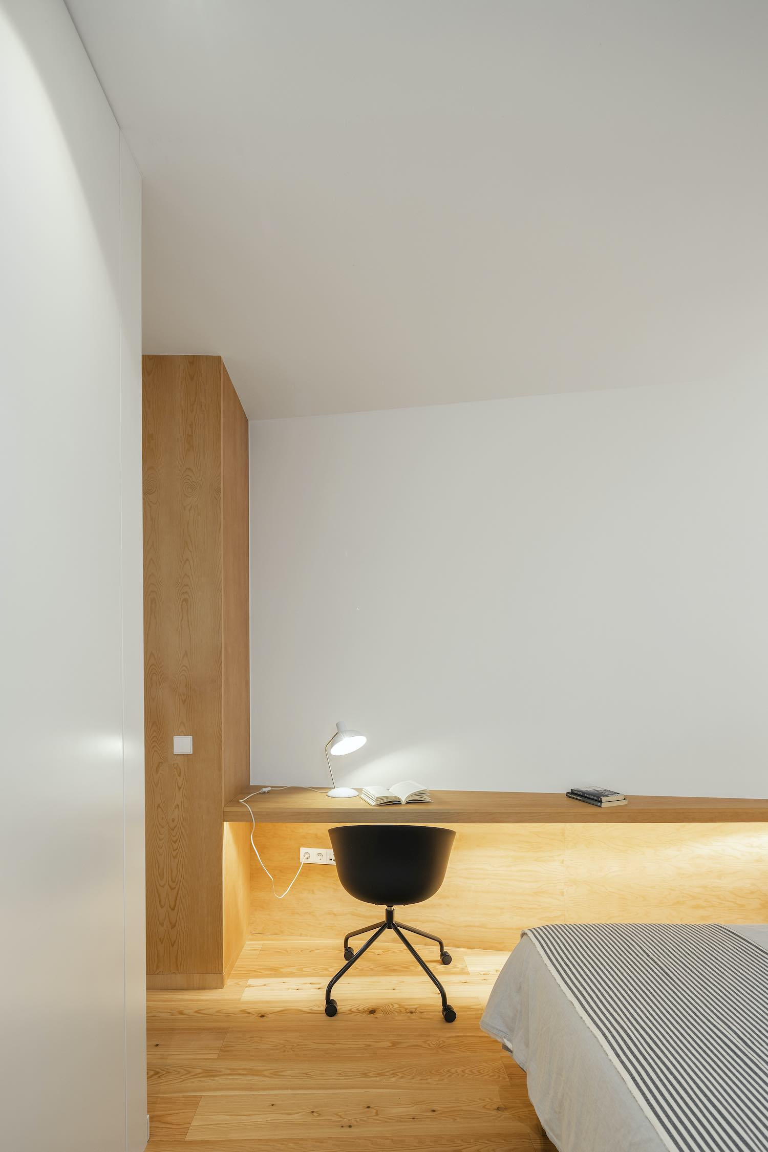 reading desk inside bedroom