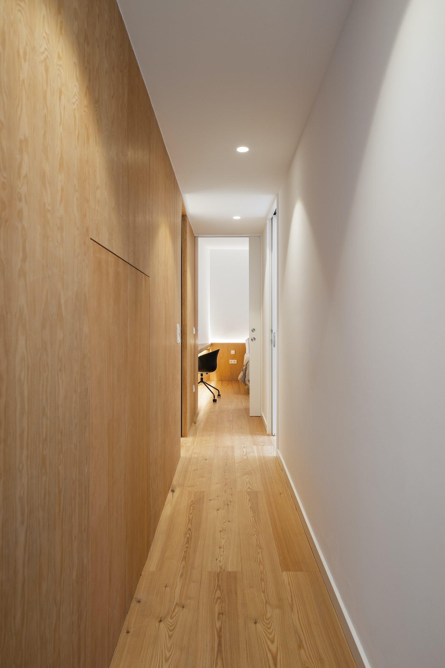 corridor to bedroom