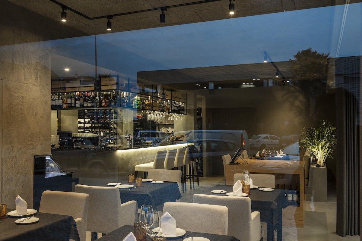 FAMA_Restaurant_Paulo_Martins_Arquitectura_and_design_AmazingArchitecture_%20010.jpg
