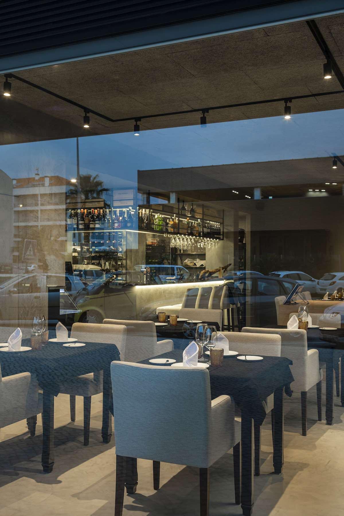 FAMA_Restaurant_Paulo_Martins_Arquitectura_and_design_AmazingArchitecture_%20012.jpg