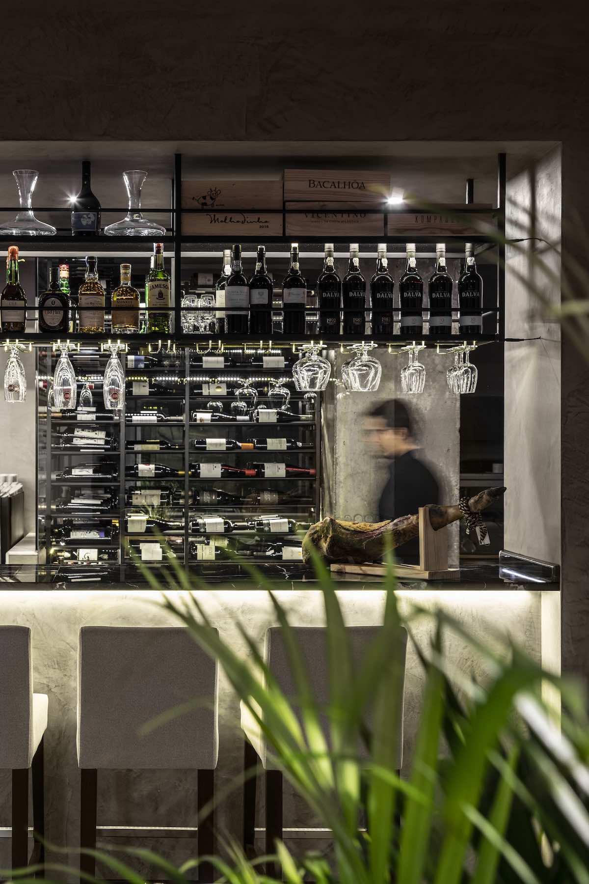 FAMA_Restaurant_Paulo_Martins_Arquitectura_and_design_AmazingArchitecture_%20013.jpg