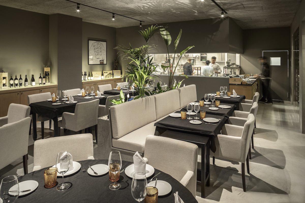 FAMA_Restaurant_Paulo_Martins_Arquitectura_and_design_AmazingArchitecture_%20020.jpg