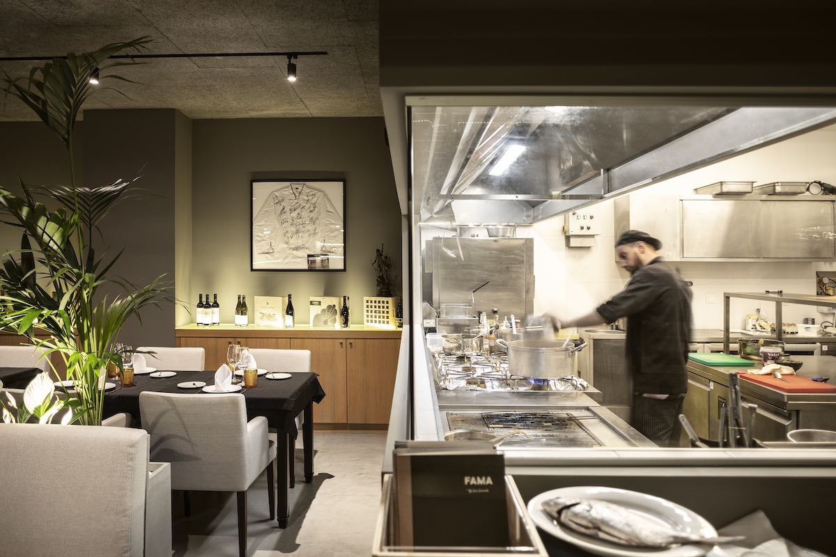 FAMA_Restaurant_Paulo_Martins_Arquitectura_and_design_AmazingArchitecture_%20022.jpg