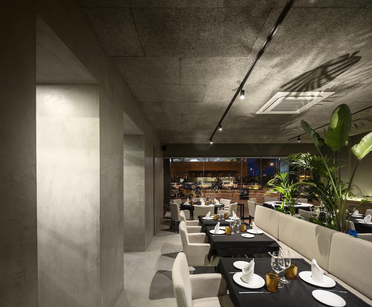 FAMA_Restaurant_Paulo_Martins_Arquitectura_and_design_AmazingArchitecture_%20024.jpg
