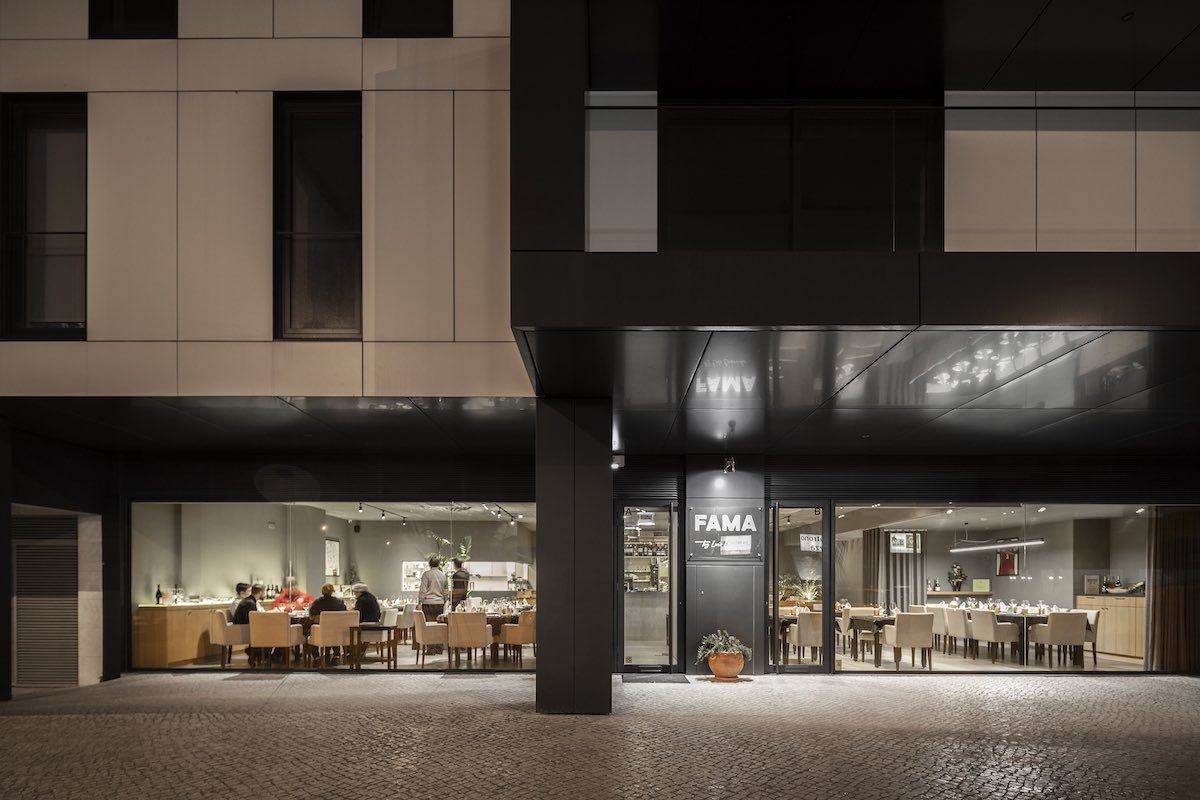 FAMA_Restaurant_Paulo_Martins_Arquitectura_and_design_AmazingArchitecture_%20028.jpg