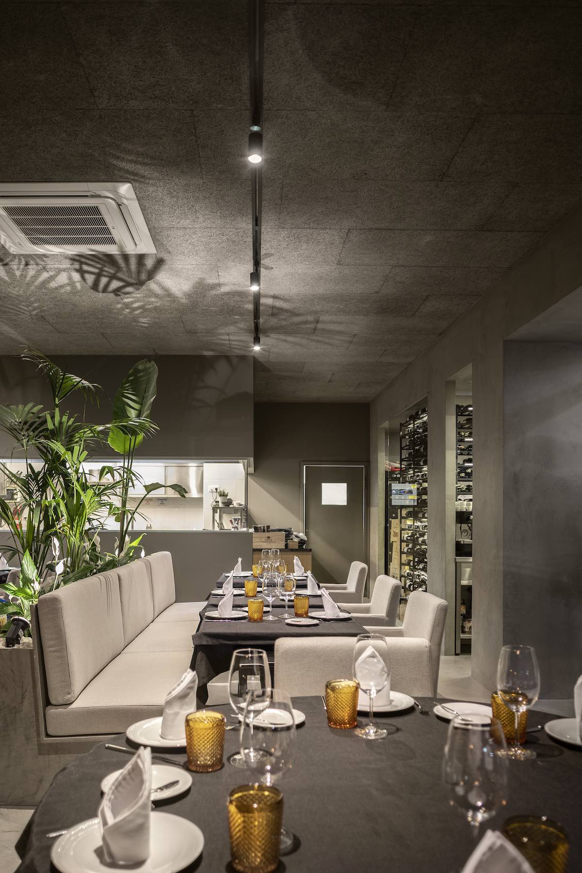 FAMA_Restaurant_Paulo_Martins_Arquitectura_and_design_AmazingArchitecture_%20030.jpg
