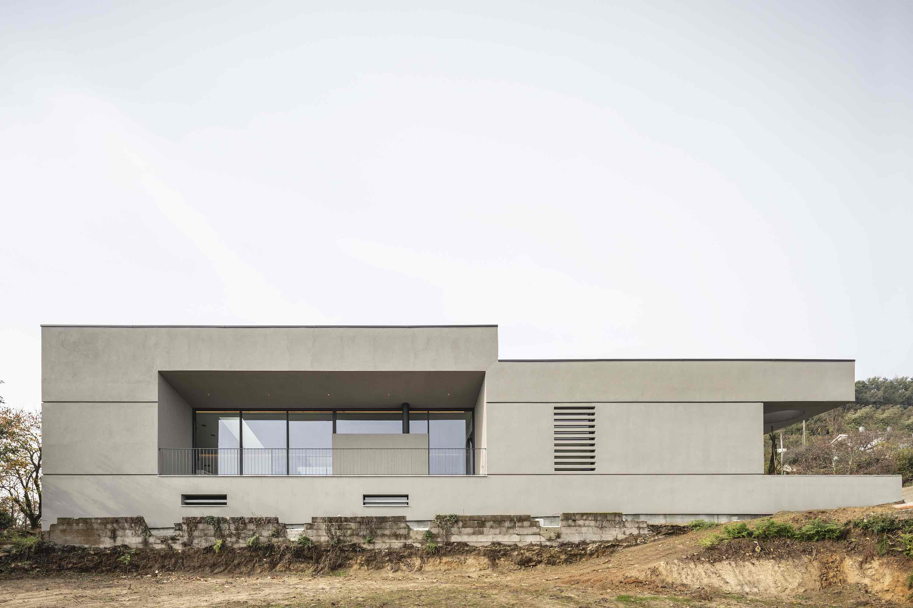 Gr House designed by Paulo Martins Arquitectura & design