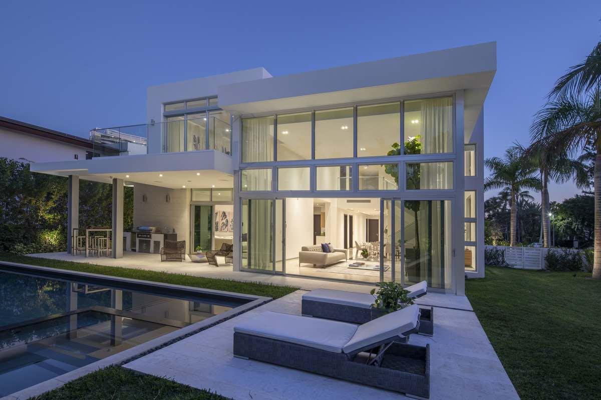 contemporary home in Florida