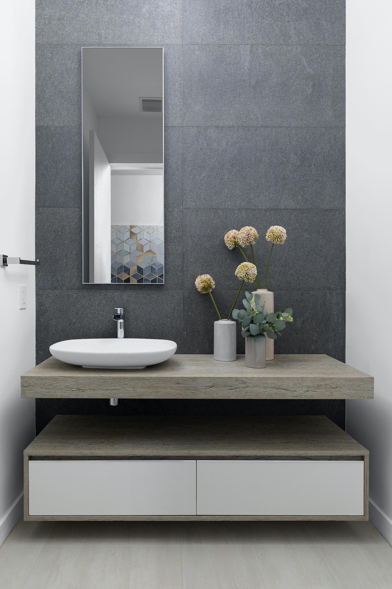 oval shaped ceramic washing basin