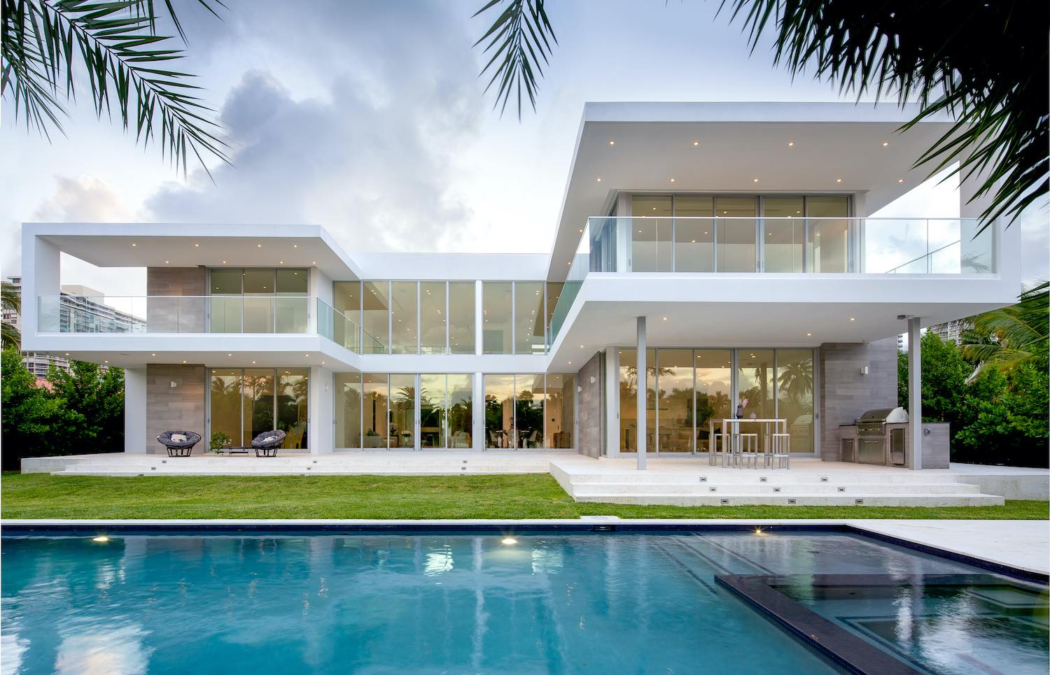 contemporary house with swimming pool at backyard