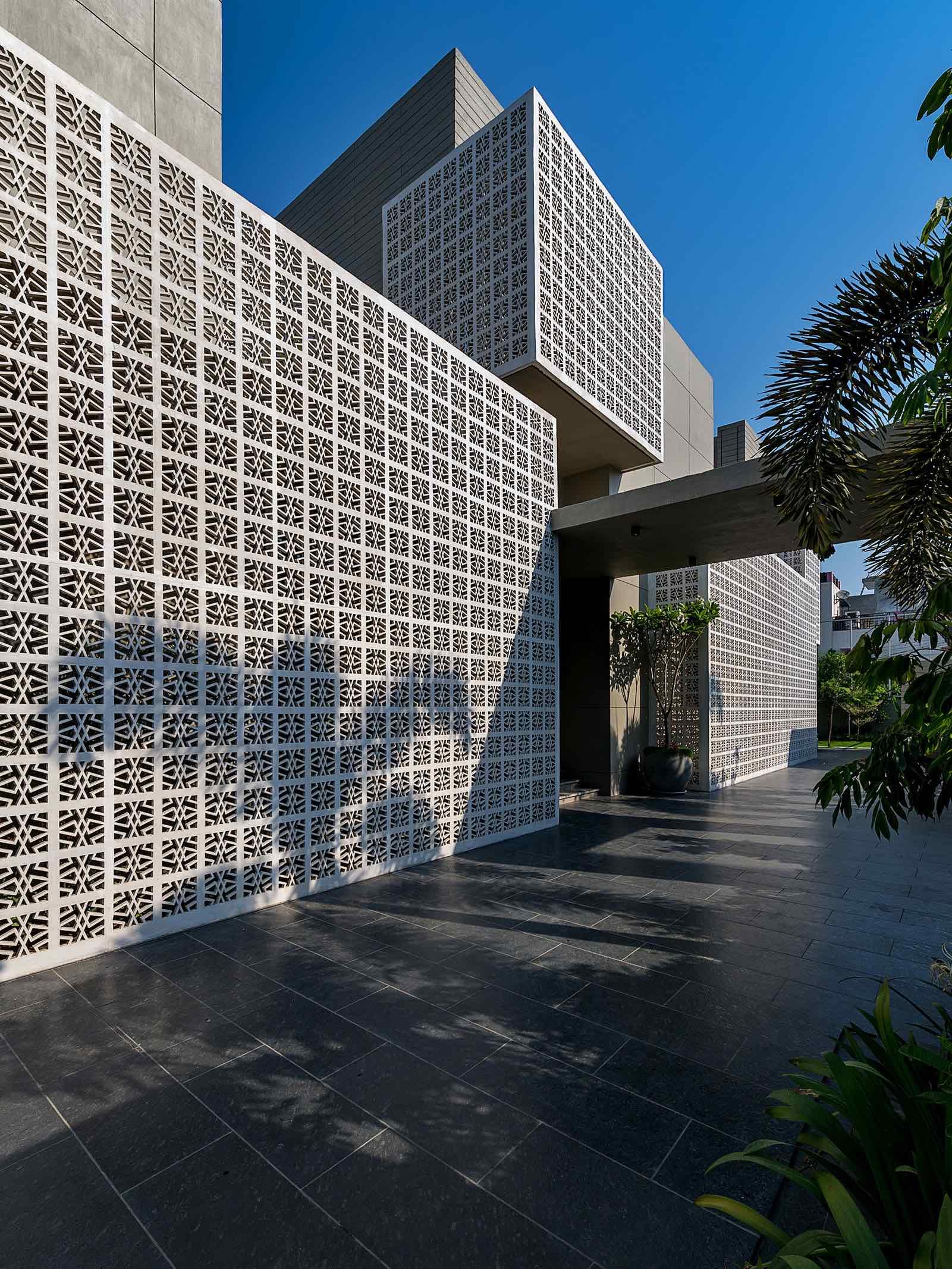 18_Screens_Sanjay_Puri_architects_india_amazingarchitecture_003.jpg