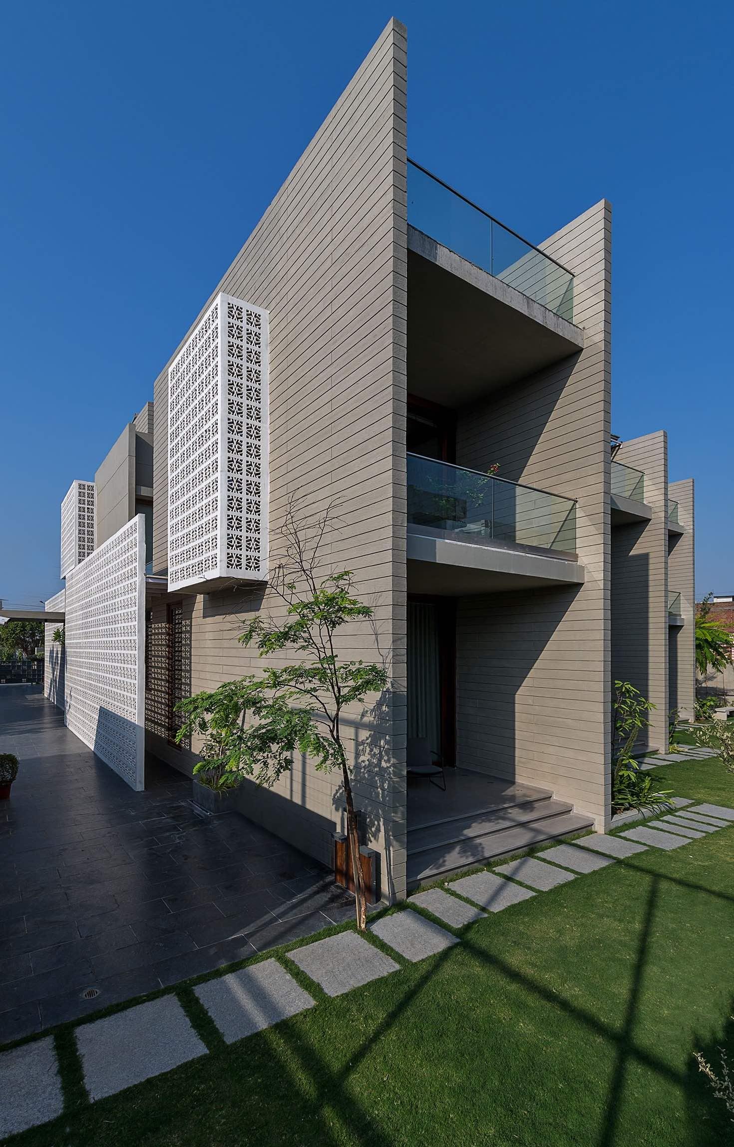 18_Screens_Sanjay_Puri_architects_india_amazingarchitecture_004.jpg