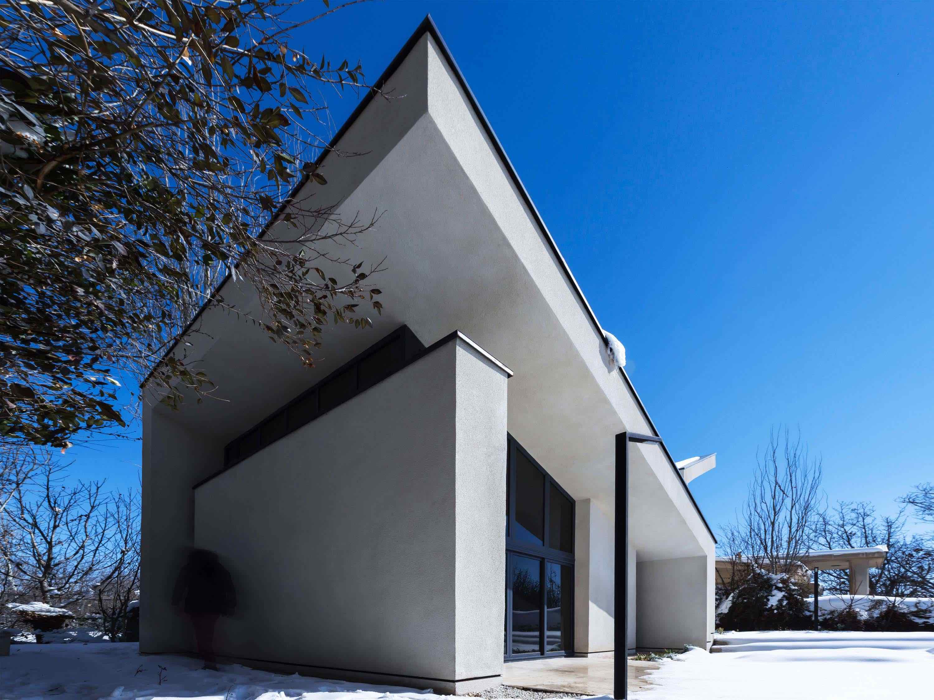 Chaman Villa designed by Special Space Studio in Mehshahra