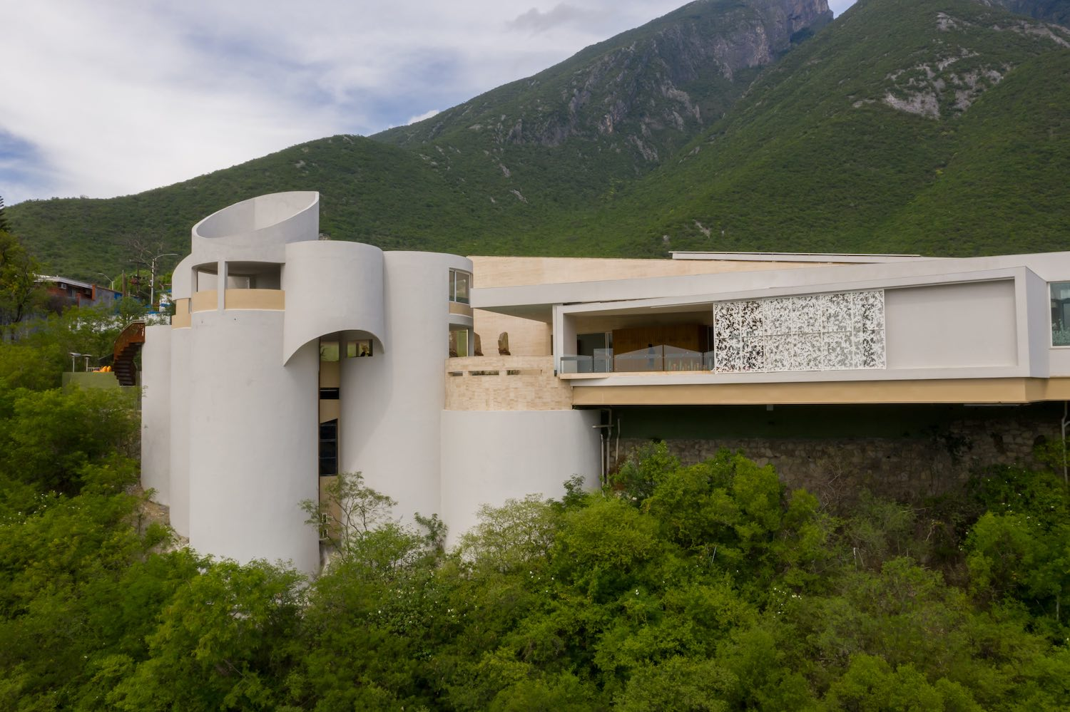the house of tubes in Monterrey