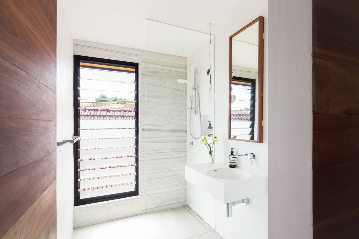 The bathroom with vertical windows