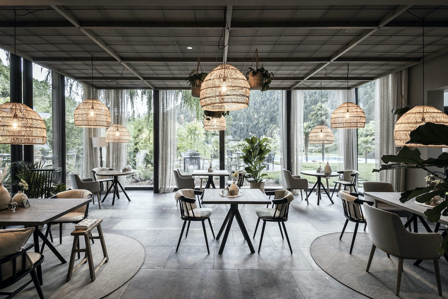 restaurant tables and pendant lamps