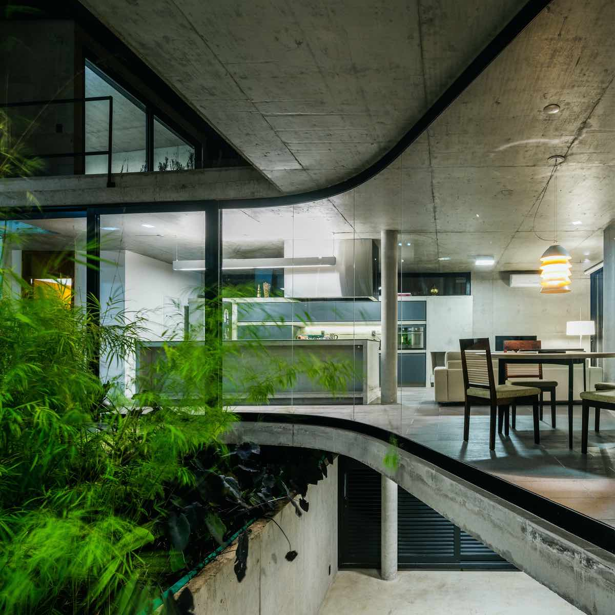 curved concrete structure