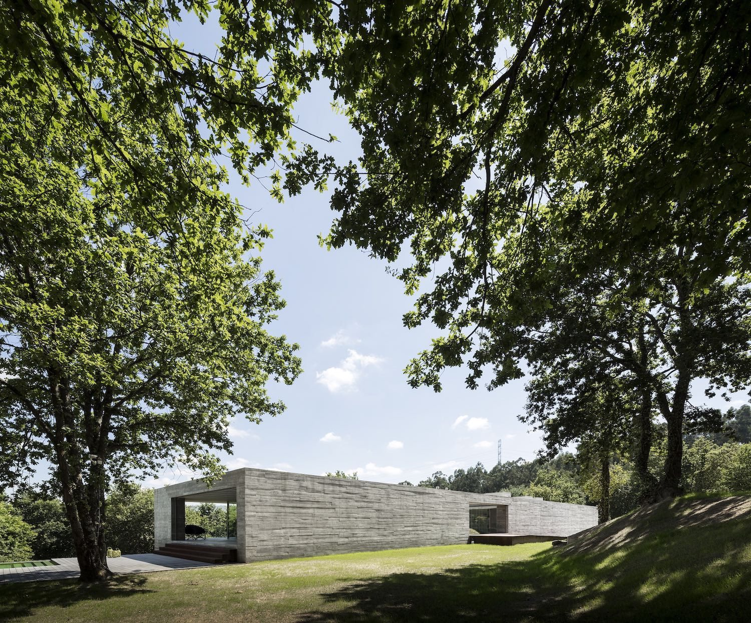 Sambade House in Portugal designed by Spaceworkers