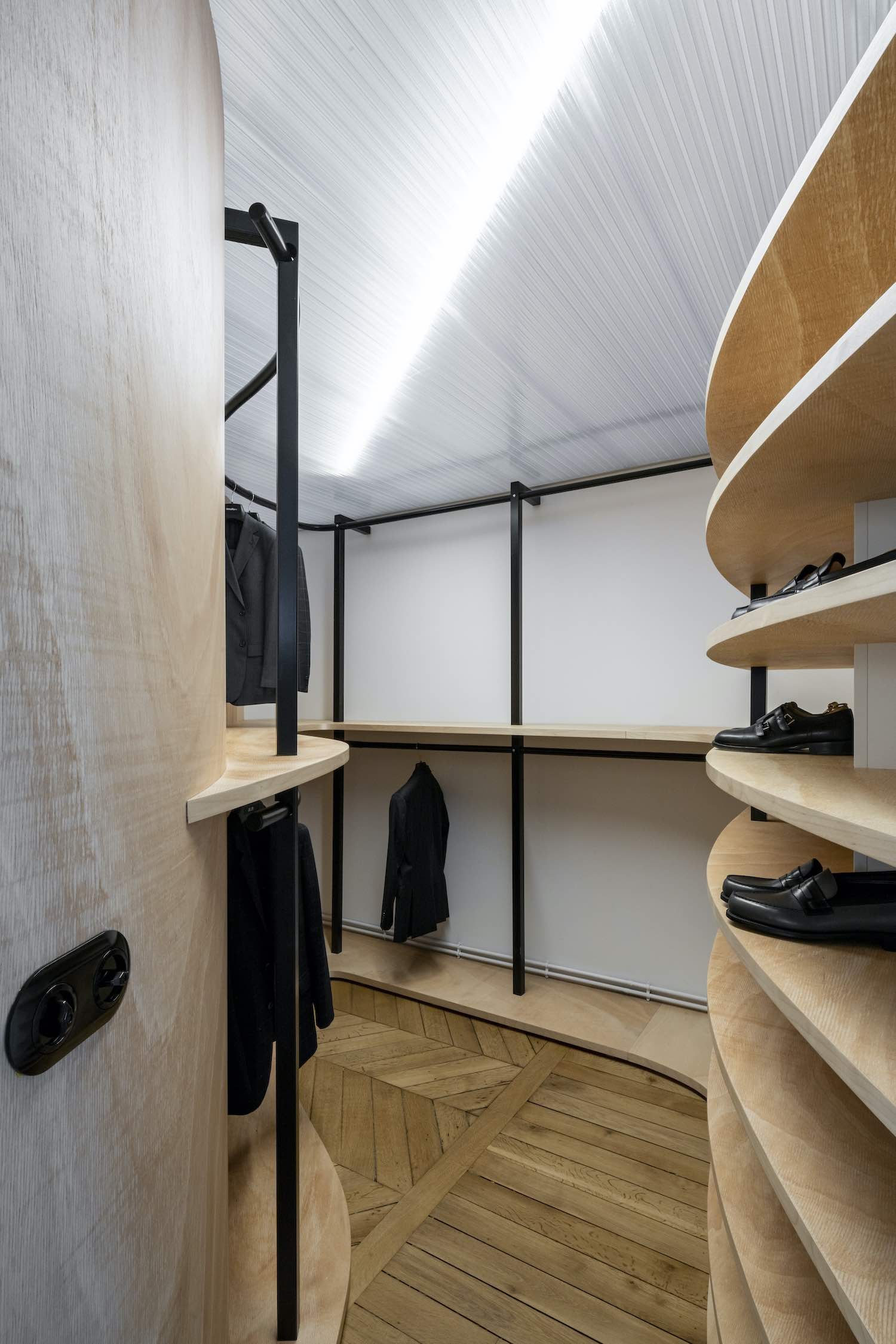 small dressing room Made of wood material